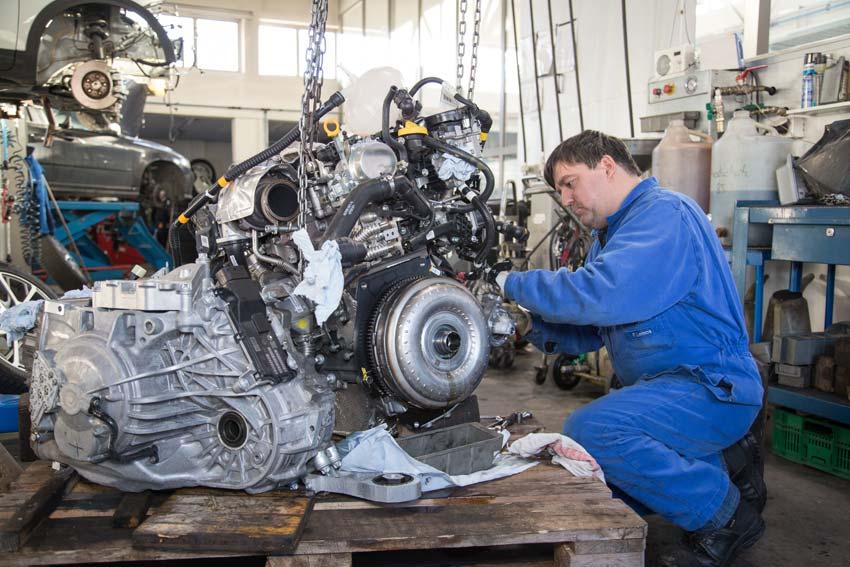 Dienstleistungen Werkstatt Motor Pfister