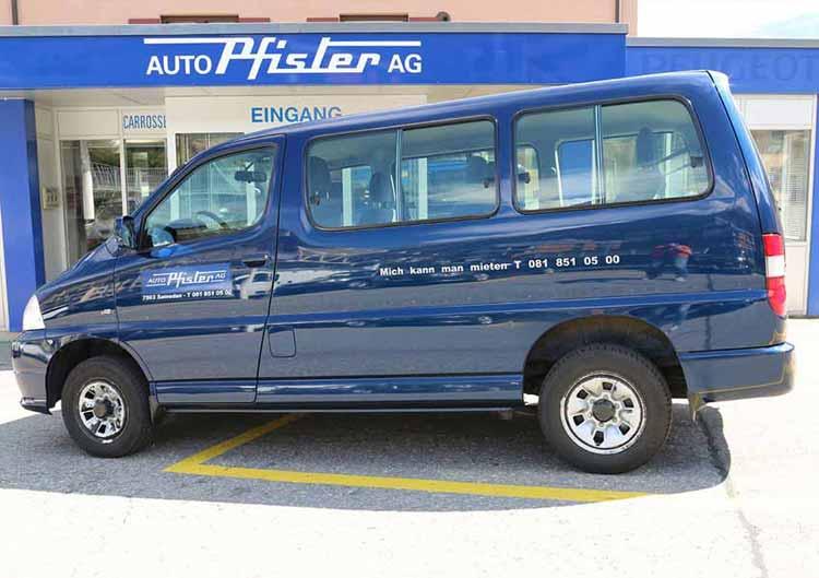 Toyota Hiace (Blau)